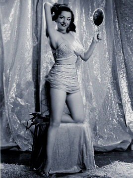 Photo of Burlesque Dancer: Evelyn West