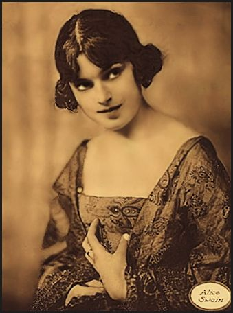 Alice Swain ... Vintage  Ziegfeld Girl, Dancer, Showgirl, Actress photo 1