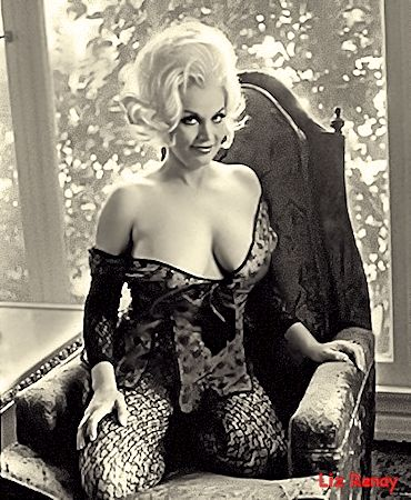 Liz Renay Vintage Burlesque dancer photo 2