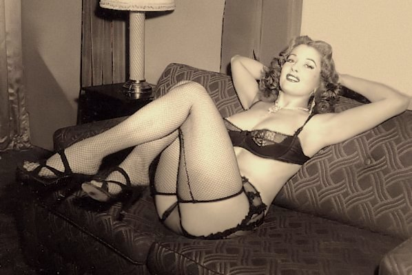 Tempest Storm, the 4D Girl Vintage Burlesque dancer photo 4