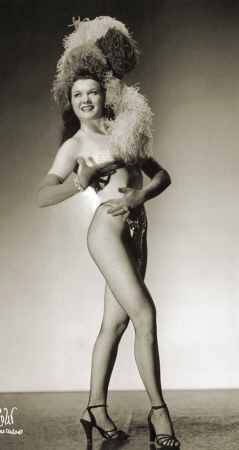 Val de Val Vintage Burlesque dancer photo 1