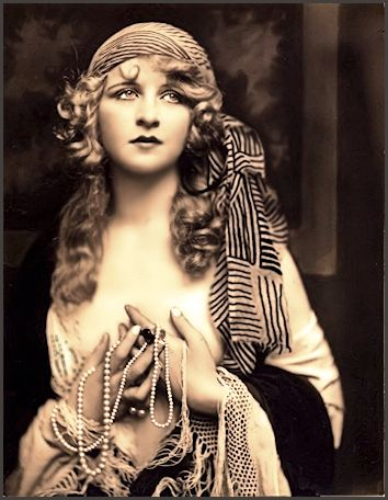 Myrna Darby ... Vintage  Ziegfeld Girl, Dancer, Showgirl, Actress photo 1